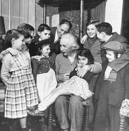 Nosso muito concorrido encontro com Einstein