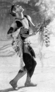 Nijinsky dançando L'après-midi d'un faune