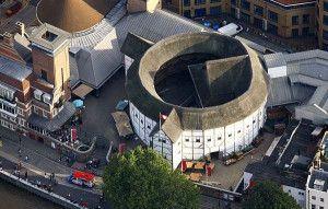 Vista aérea do atual Shakespeare`s Globe de Londres. Prédio vazado (clique para ampliar)