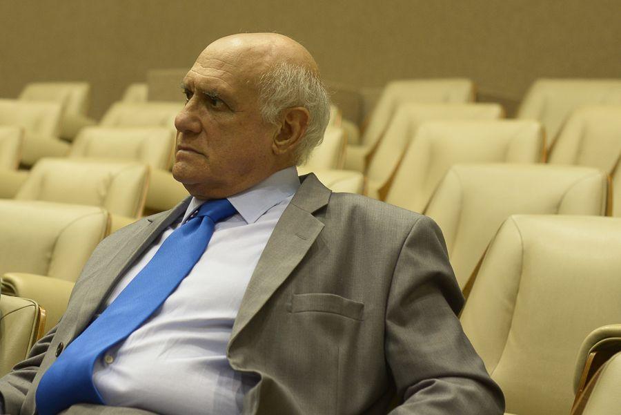 Seria demais pedir grandeza ao senador Lasier Martins?