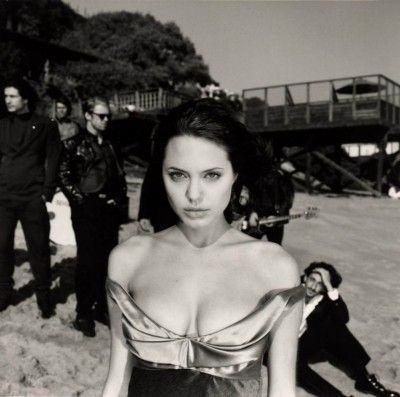 Angelina_Jolie_01