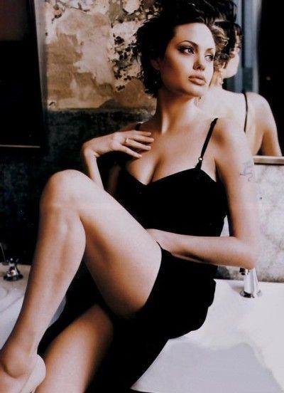 Angelina_Jolie_03