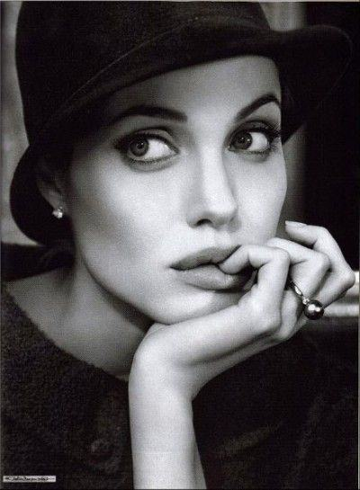 Angelina_Jolie_05