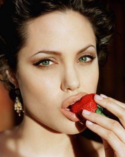 Porque hoje é sábado, Angelina Jolie