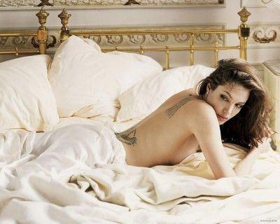 Angelina_Jolie_12