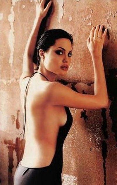 Angelina_Jolie_18