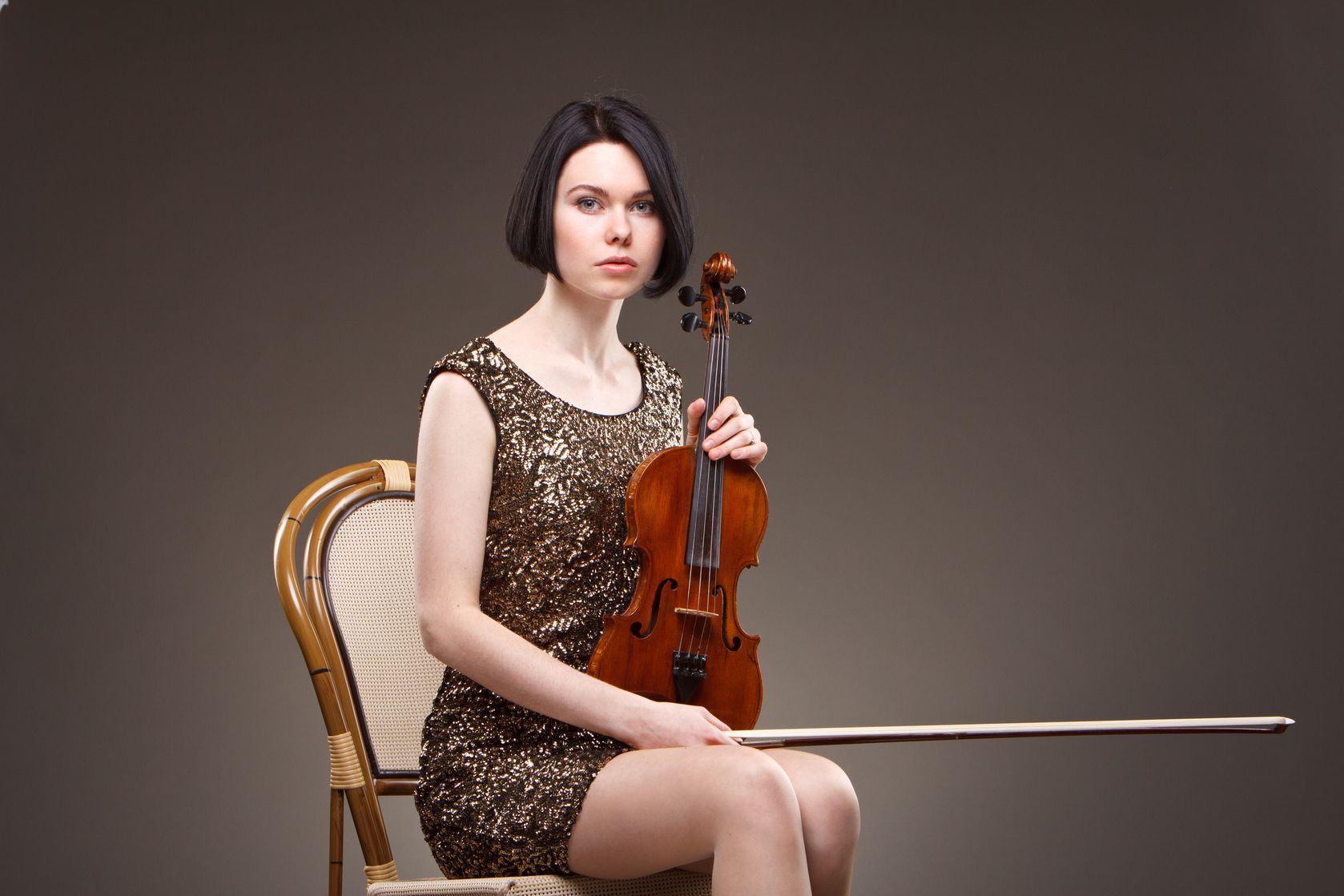 Violinista barroca desiste de dar prazer a si mesma com o uso de vibrador