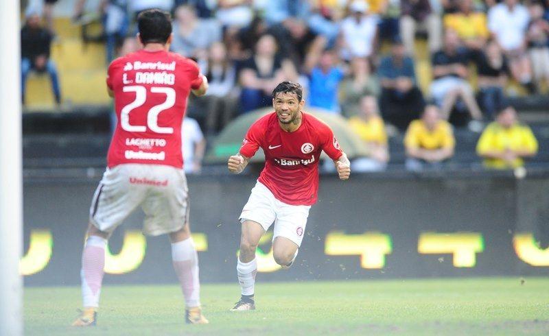 Bom dia, Guto (com os melhores lances do perigoso Criciúma 2 x 3 Inter)