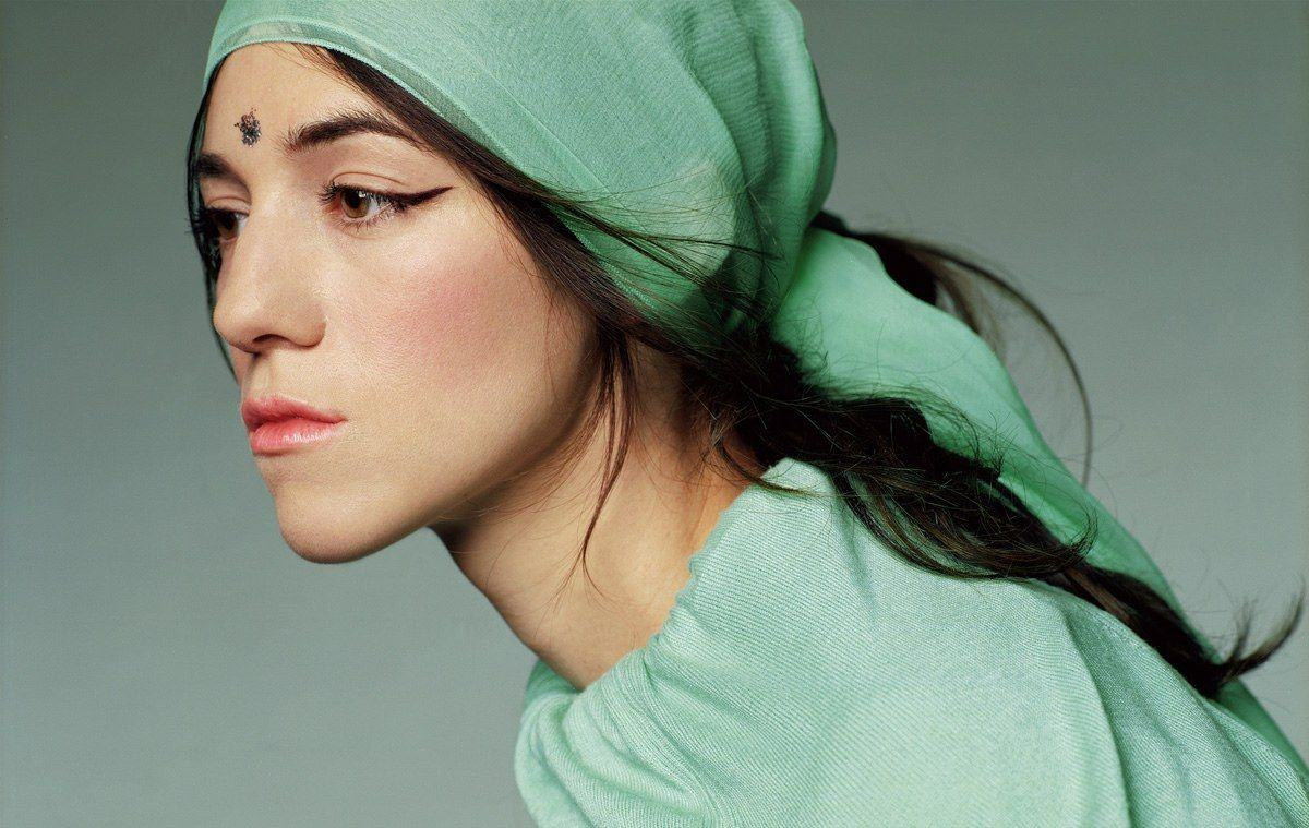 Charlotte-Gainsbourg-18