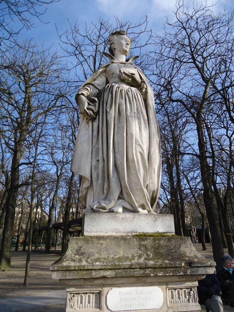 Paris, 23 de fevereiro: Notre Dame, a sopa Pho da nossa desesperança, Os Jardins de Luxemburgo (I)