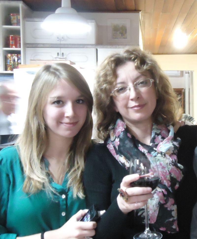 Esta foto teve Nikolay censurado pemas moças em razão de careta terrível.
