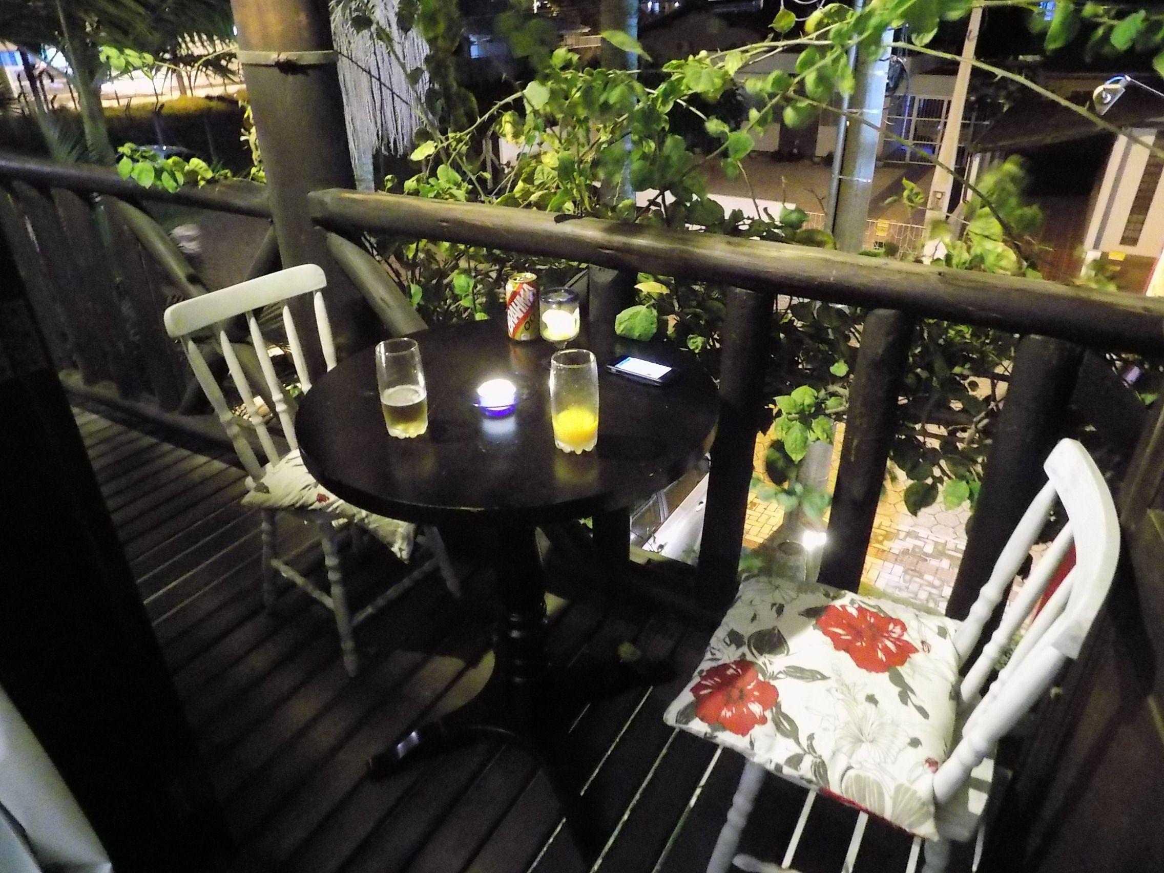 Mesa de nossa pousada em Bombinhas no último dia de férias