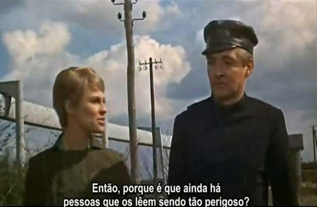 Cena de Fahrenheit 451 (1966), clássico de François Truffaut