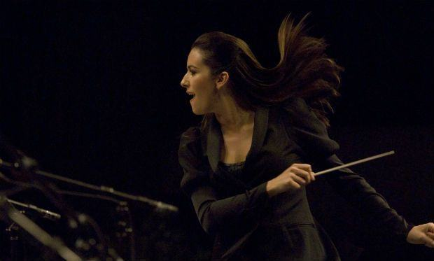 Female-Conductor-Hair1