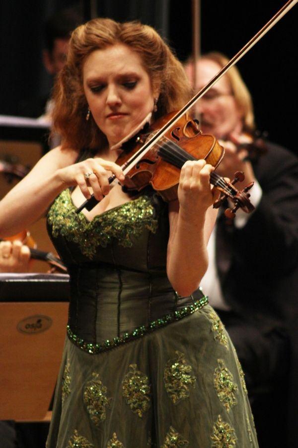 Ospa termina o ano com show de Rachel Barton Pine em excelente concerto