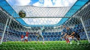 Gol de Luan após o Inter perder a bola bobamente no meio-de-campo