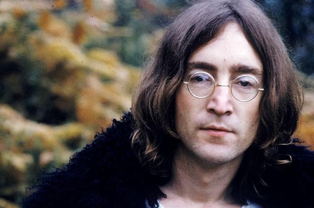 Se não tivesse cruzado com Mark Chapman, provavelmente John Lennon faria 80 anos hoje