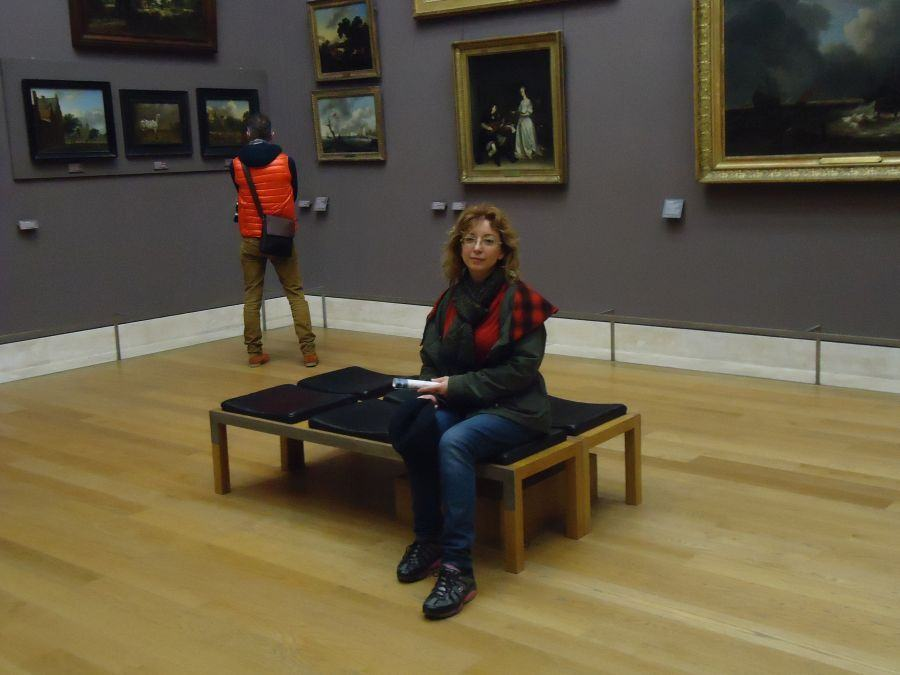 Paris, 26 de fevereiro de 2014: Morrendo de cansaço no Louvre