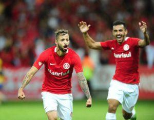 Hoje, só foto de quem jogou bem: Nico López e Uendel.