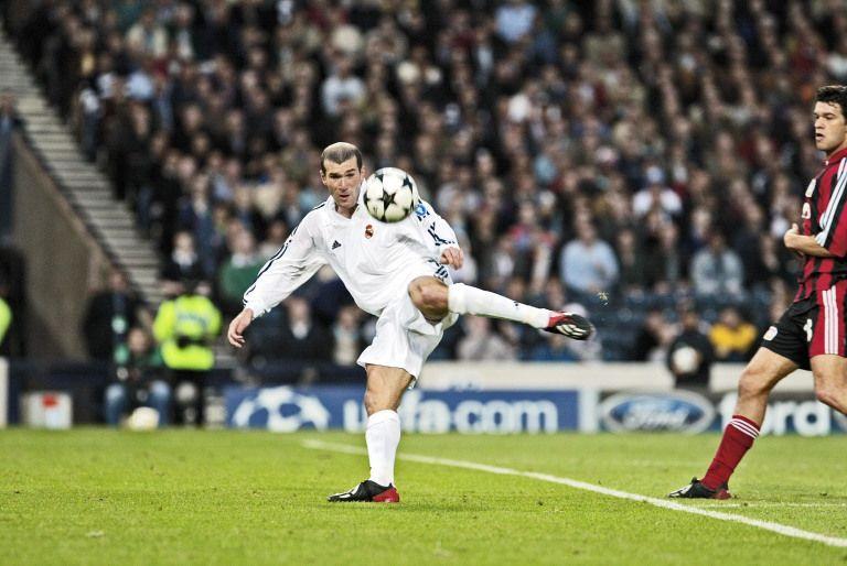 Um voleio mágico de Zidane numa final de Champions aí.