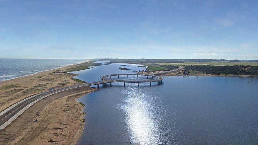 Ponte-circular-para-motoristas-aproveitarem-a-paisagem-2