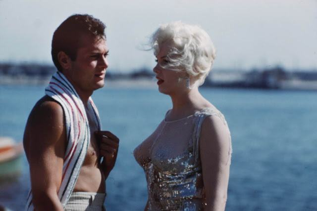 Some Like It Hot color (12)