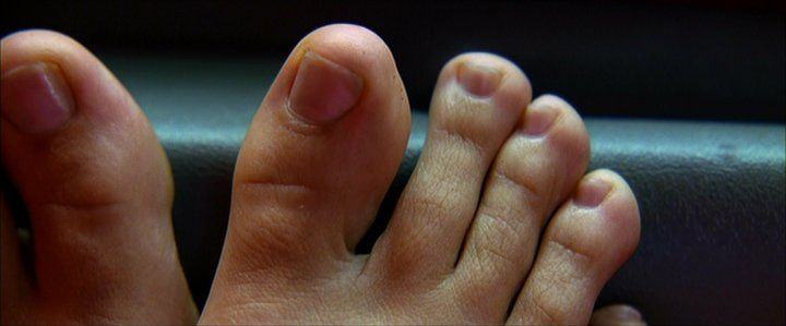 Wiggle your big toe... Uma Thurman