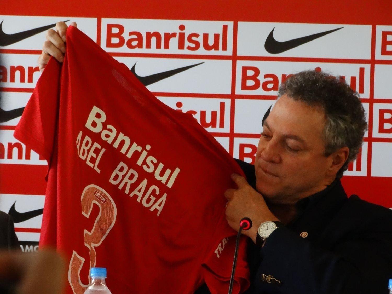 Bom dia, Abel Braga (veja os gols e melhores lances)