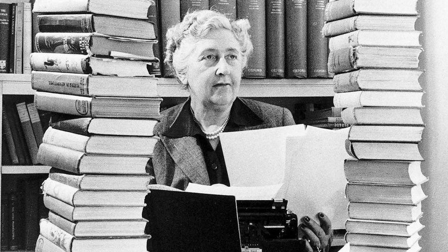 Agatha Christie, a Rainha do Crime: 125 anos de cadáveres, venenos e mistérios