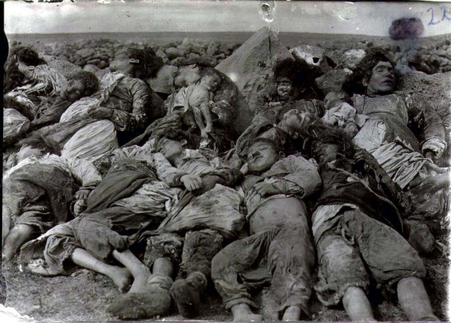 """100 anos do genocídio armênio, o massacre que """"inspirou"""" Hitler"""