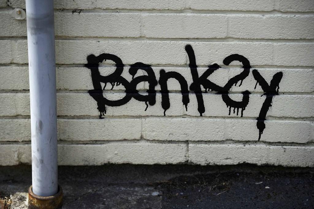 Banksy surpreende escola primária em Bristol com mural