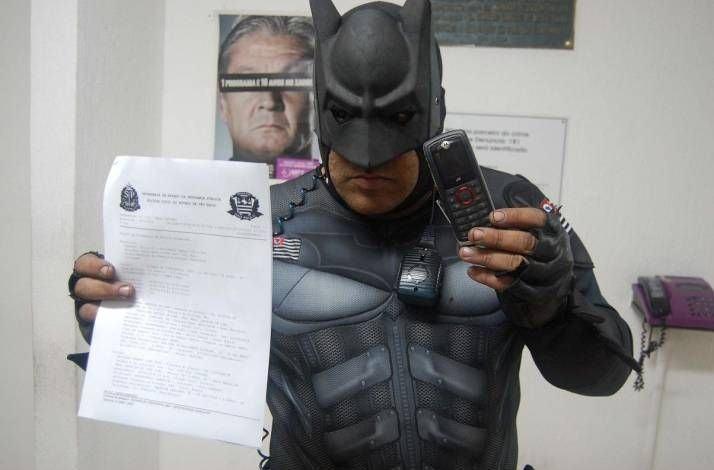 Se você tiver seu celular roubado, chame o Batman