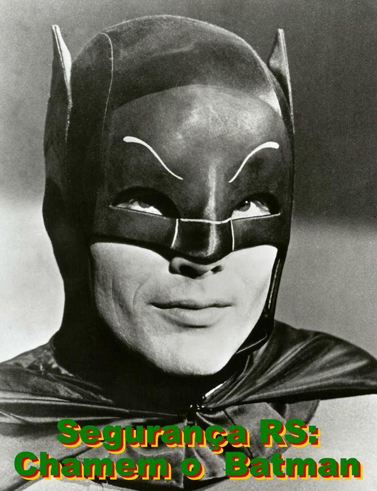 Como se faz para chamar o Batman na Redenção? Alguém sabe?
