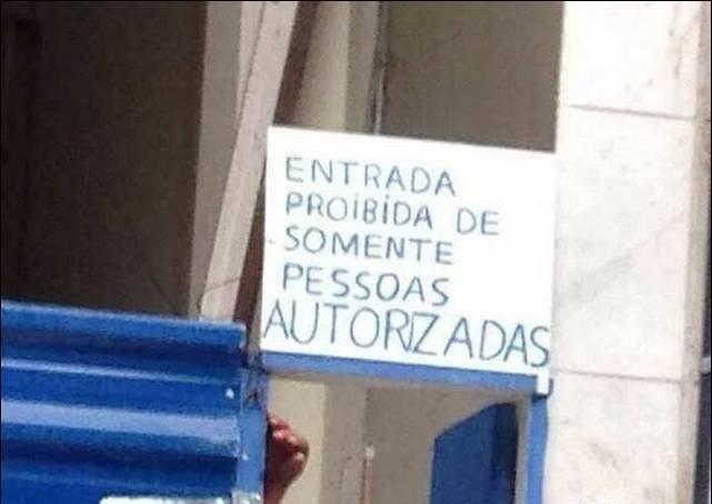 cartazes_estranhos_05