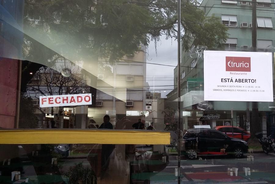cartazes_estranhos_18