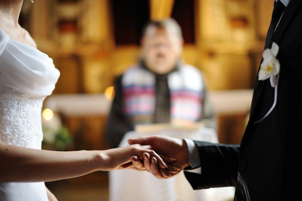 casamento-noivos-altar