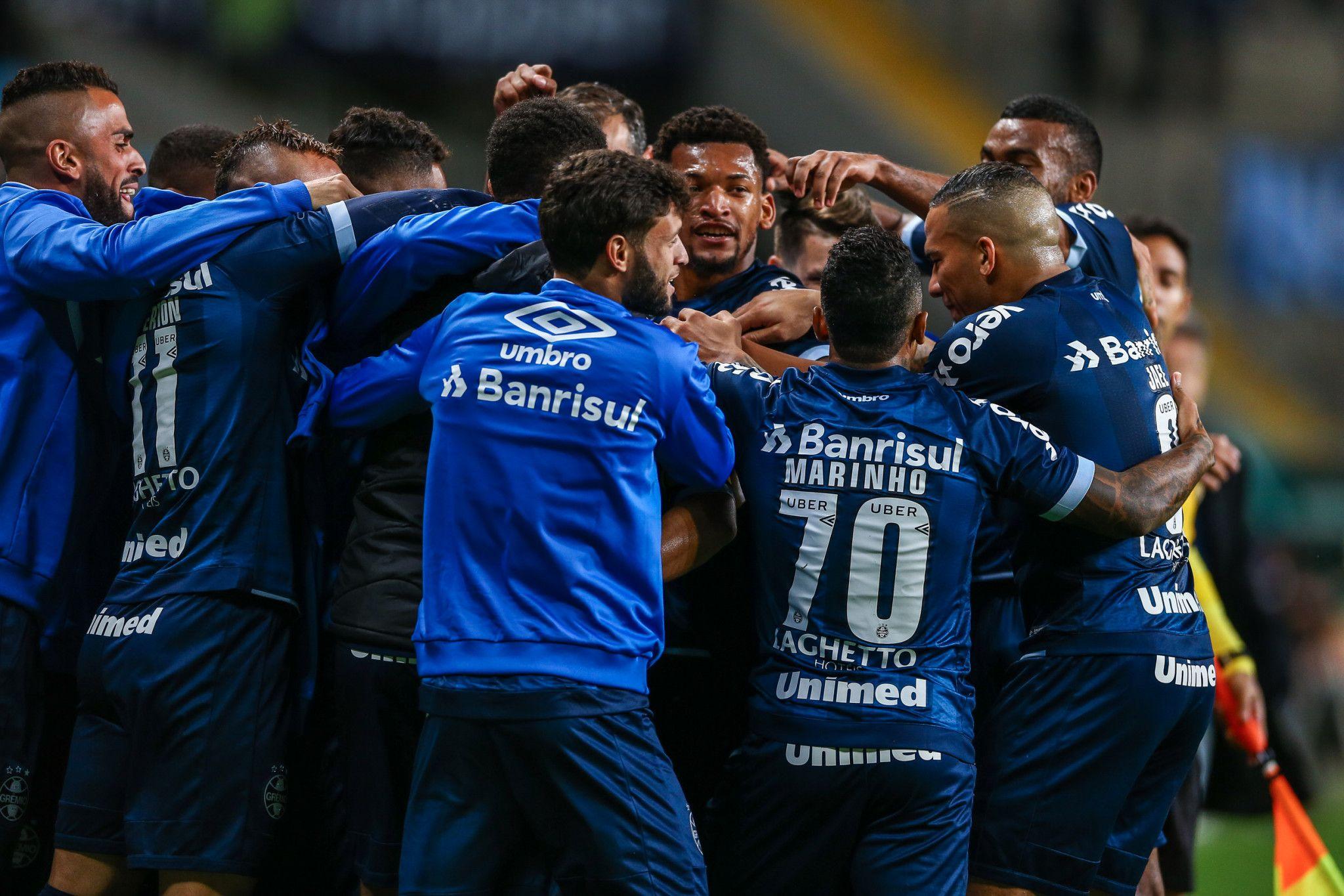 Bom dia, Renato (com os lances da goleada de 4 x 0 do Grêmio sobre o Vitória)