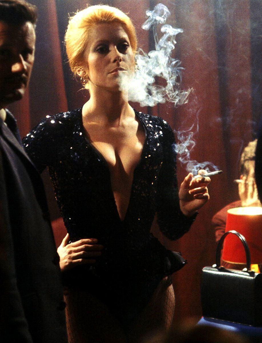 deneuve_cigarro