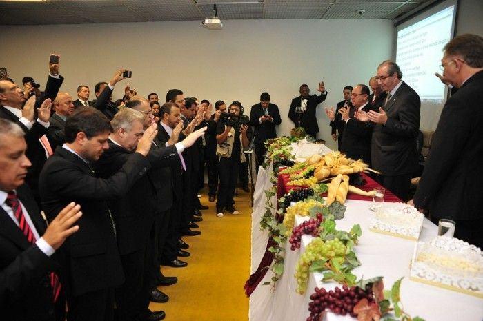 A bancada evangélica (ou teocrática) samba no governo Dilma