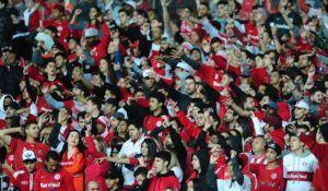 Sem time, escolhi uma foto de torcedores | Ricardo Duarte