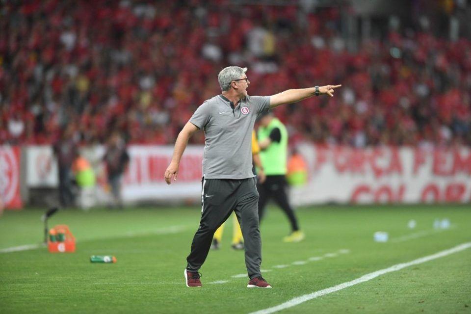 Bom dia, Odair (com os lances da queda livre — Inter 1 x 2 Atlético-MG)