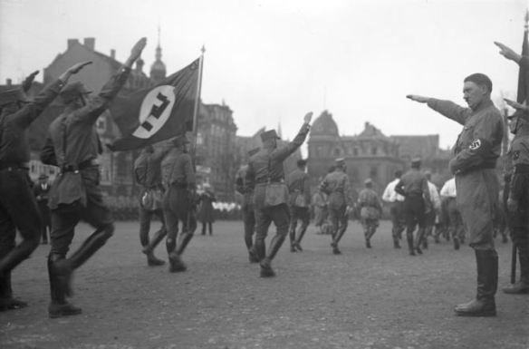 Há 80 anos, o mundo via Hitler tornar-se o Führer