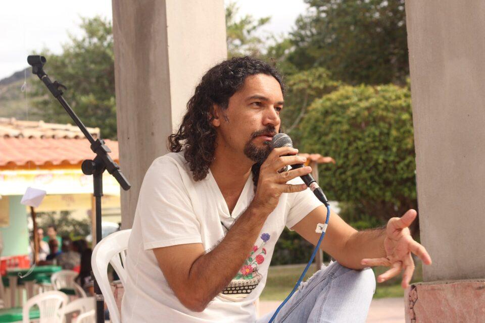 Franciel Cruz nos 25 anos da Livraria Bamboletras
