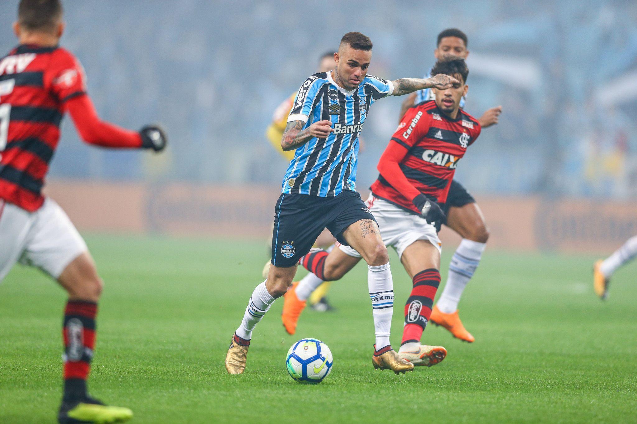Bom dia, Renato (com os melhores lances do grande jogo Grêmio 1 x 1 Flamengo de ontem à noite)