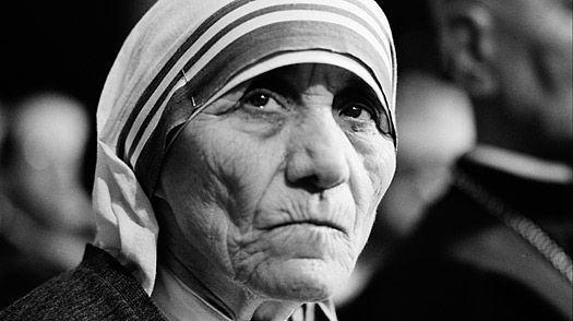 O Vaticano vai santificar um chacal, a Madre Teresa de Calcutá
