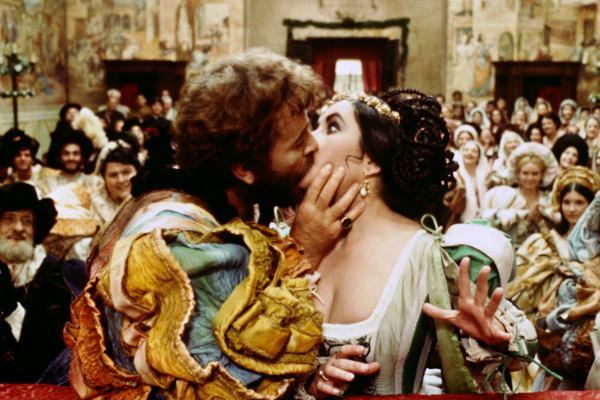Elisabeth Taylor e Richard Burton em A Megera Domada