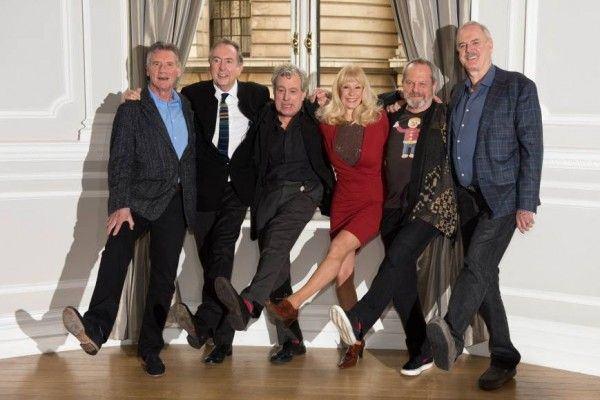O sucesso estrondoso dos shows do Monty Python mostra que o humor ainda é feito de inteligência