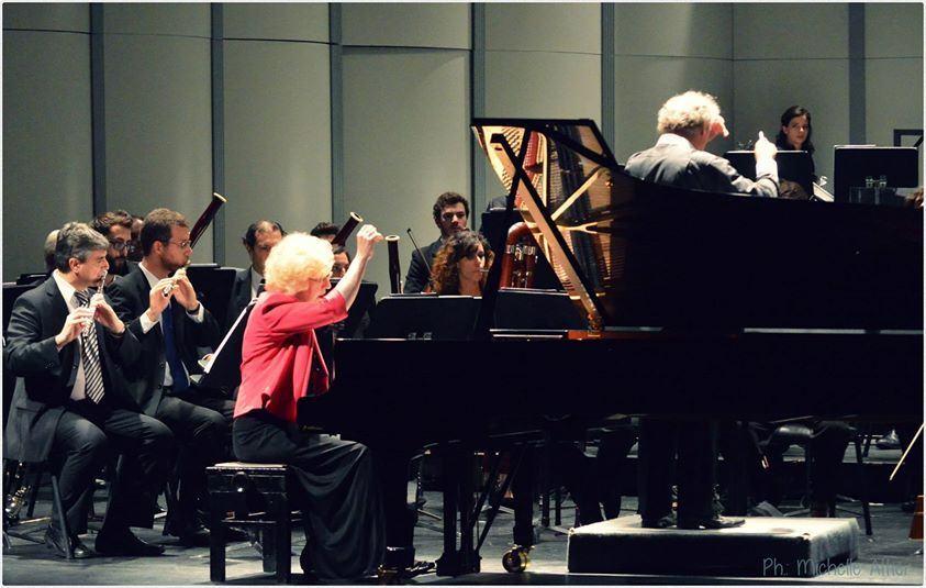 Bartók e Martinů por Sara e Rauss em Montevidéu