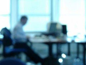 Perdendo o foco no trabalho | Imagem: Corneta Colorada