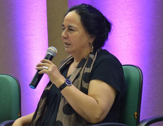 Convidada, a pesquisadora Ana Pizarro nega-se a ir a almoço com Bolsonaro no Chile